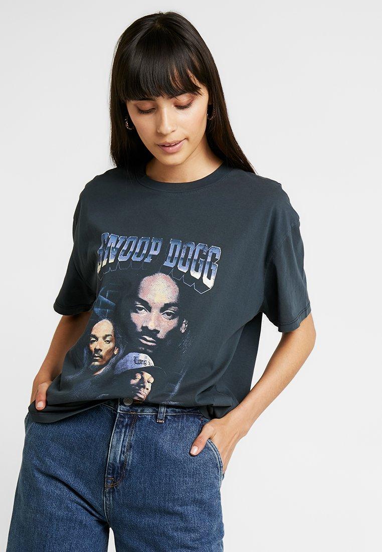 Revival Tee - SNOOP DOG TEE - T-shirt z nadrukiem - acid wash