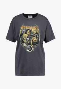 Revival Tee - METALLICA - T-Shirt print - washed black - 3
