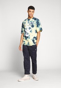 Revival Tee - MISFITS TYE DYE - T-shirt con stampa - blue - 1