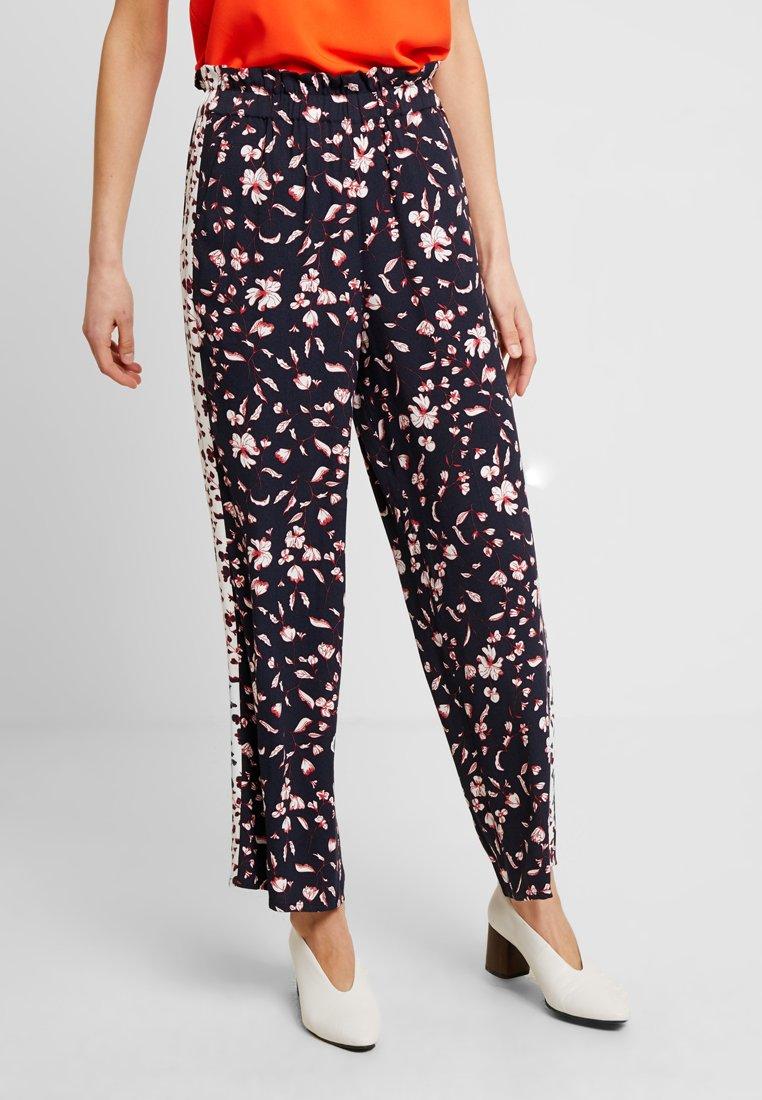 Re.draft - LOOSE FLOWER PANTS - Pantalones - navy