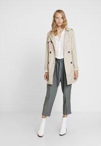 Re.draft - CROPPED PANTS - Trousers - olive/khaki - 1