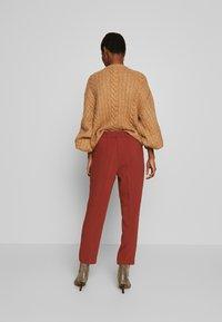 Re.draft - FORMAL PANTS - Pantalon classique - toffee - 2