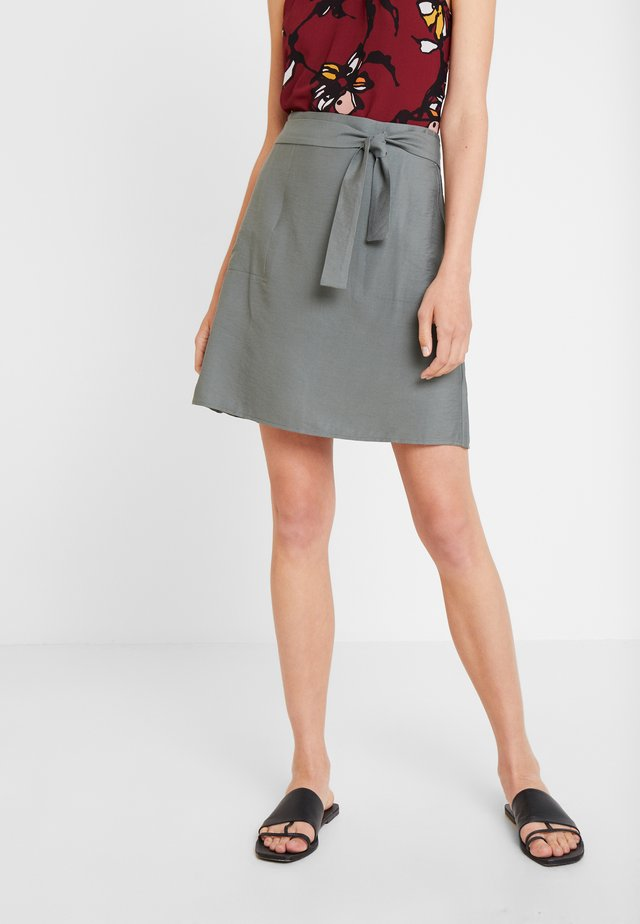 SKIRT WITH POCKETS - A-linjekjol - olive/khaki