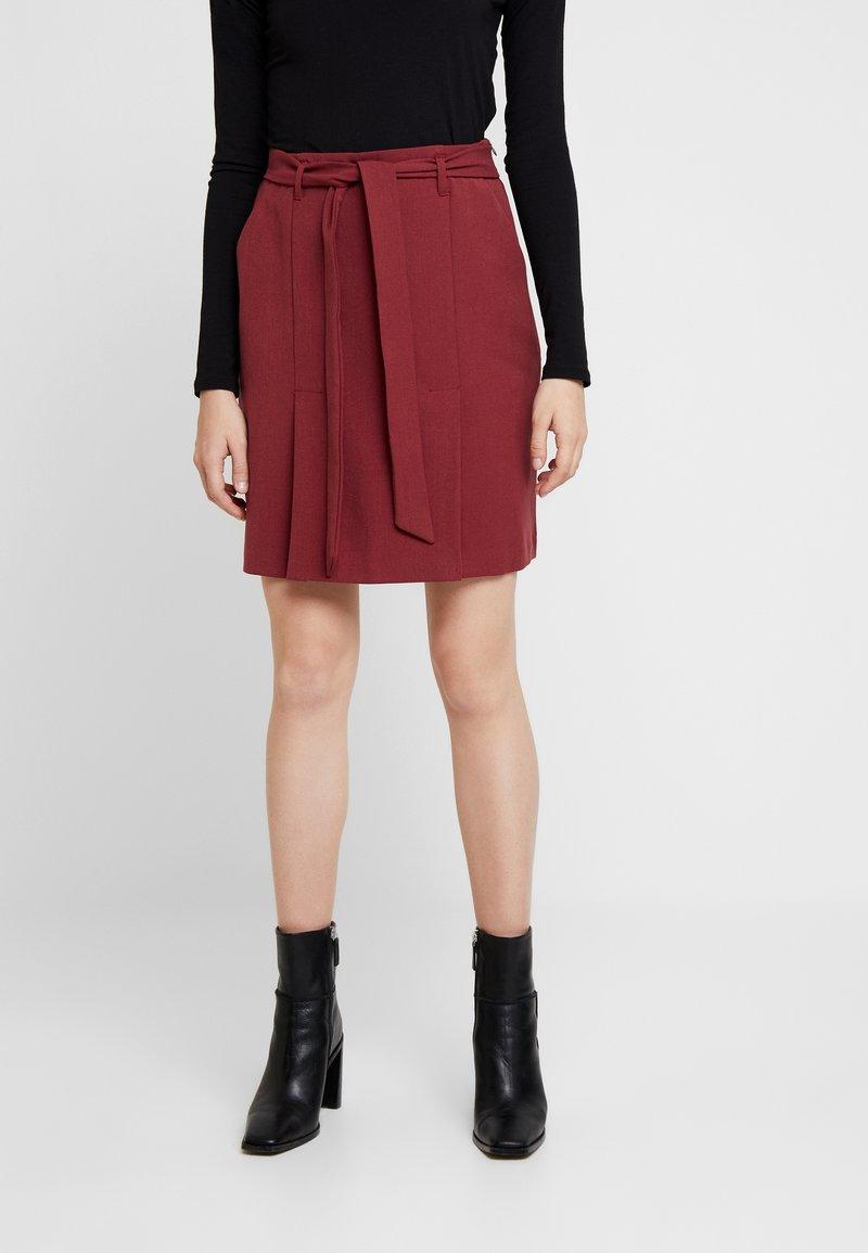 Re.draft - SKIRT - Mini skirt - red velvet