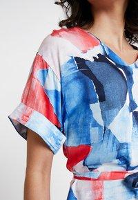 Re.draft - PRINTED DRESS - Day dress - hibisus - 5