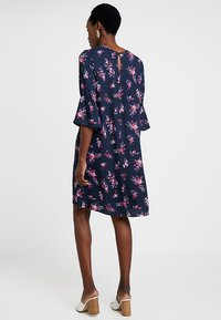 Re.draft - FLOWER PRINTED CREPE DRESS - Day dress - navy - 2