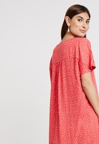 Re.draft - DRESS WITH PLEAT - Day dress - flame - 4
