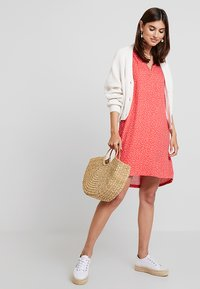 Re.draft - DRESS WITH PLEAT - Day dress - flame - 2