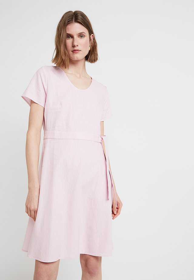 WRAP DRESS - Vardagsklänning - pink sky