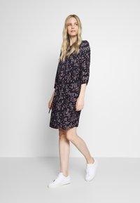 Re.draft - PRINTED FLOWER DRESS - Day dress - black - 1