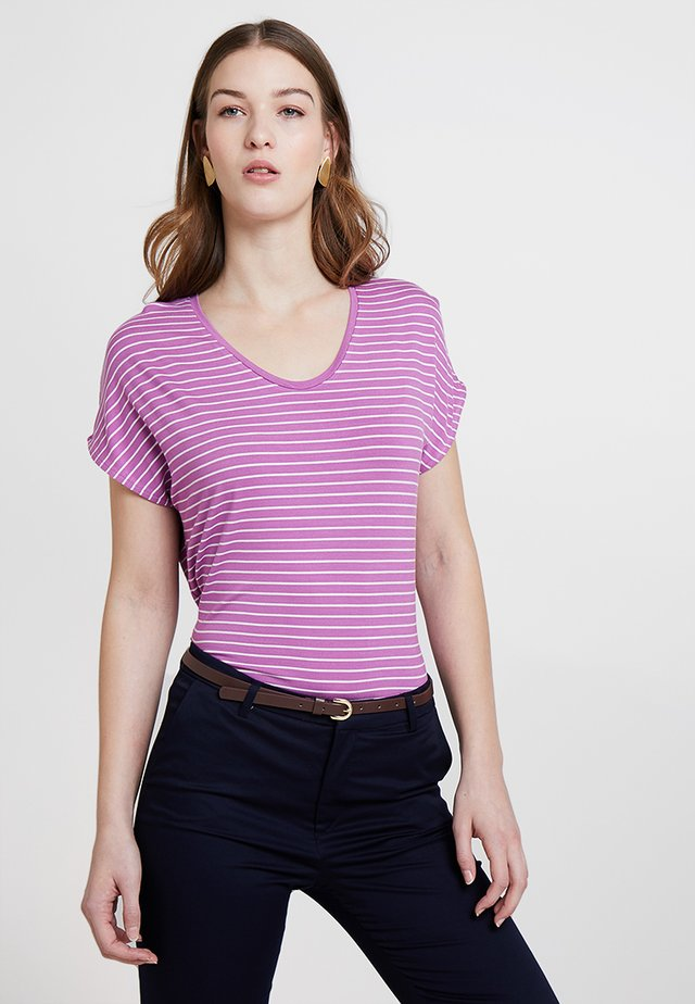 LOOSE STRIPE  - T-shirt med print - purple orchid
