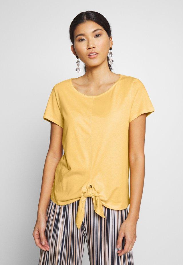 KNOTTED  - T-Shirt print - mango