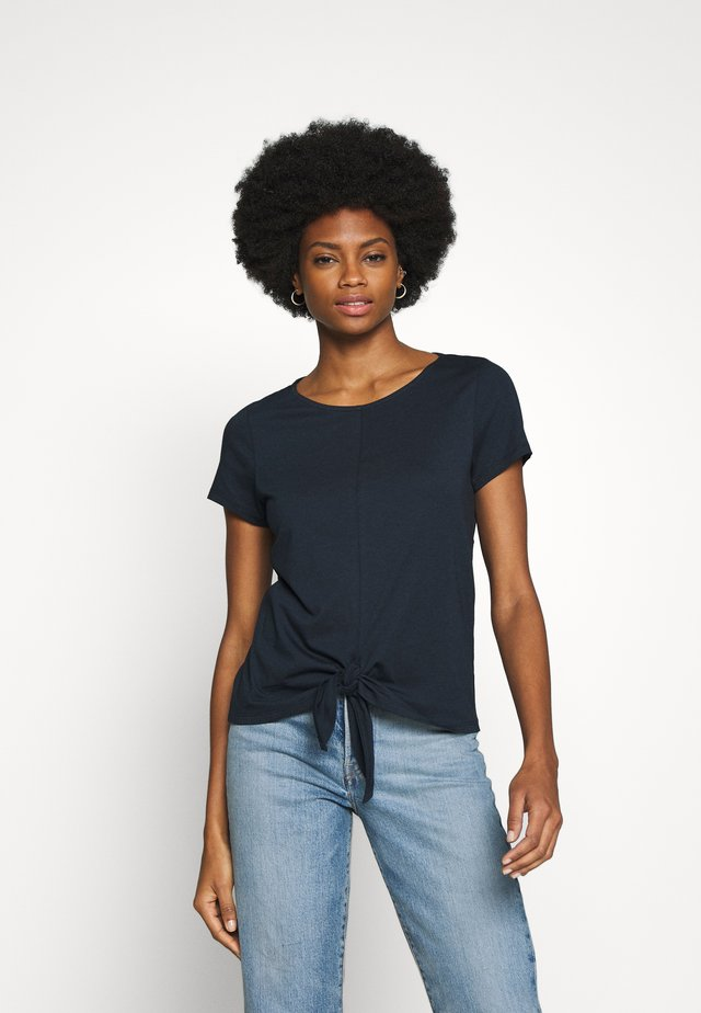 KNOTTED  - T-shirts med print - summer night