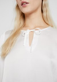 Re.draft - TIE BLOUSE - Blouse - off-white - 4