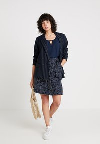 Re.draft - BLOUSE WITH PLEAT DETAIL - Blouse - navy - 1