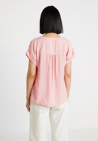 Re.draft - STRIPED BLOUSE SHORTSLEEVE - Blusa - pink - 2