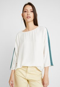 Re.draft - EASY REGLAN BLOUSE - Blouse - wool white - 0