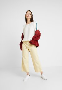 Re.draft - EASY REGLAN BLOUSE - Blouse - wool white - 1