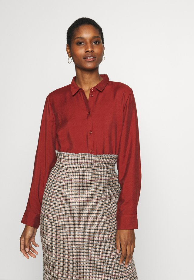 CLASSIC BLOUSE - Button-down blouse - toffee