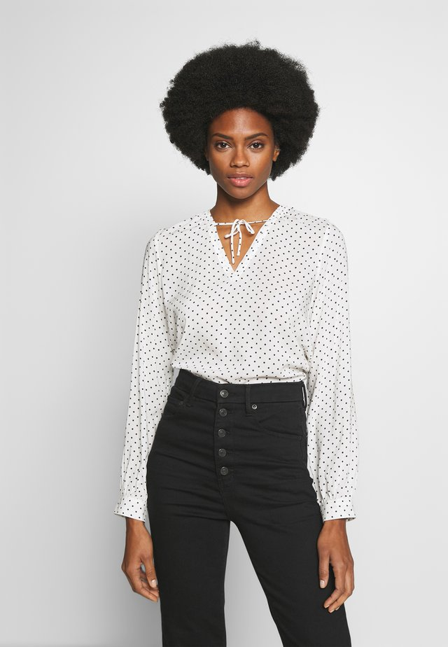 DOT BLOUSE WITH TIE DETAIL - Bluse - white/beach