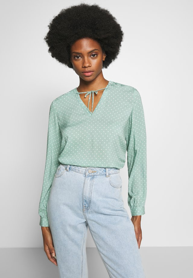 DOT BLOUSE WITH TIE DETAIL - Bluzka - eucalyptus