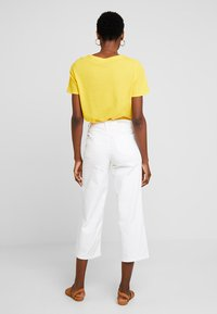 Re.draft - CROPPED WIDE LEG  - Relaxed fit jeans - white denim - 2