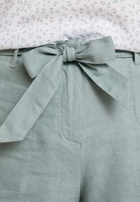Re.draft - Shorts - faded olive - 4