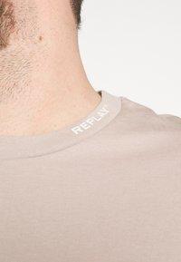 Replay Plus - T-shirt basic - mud - 4