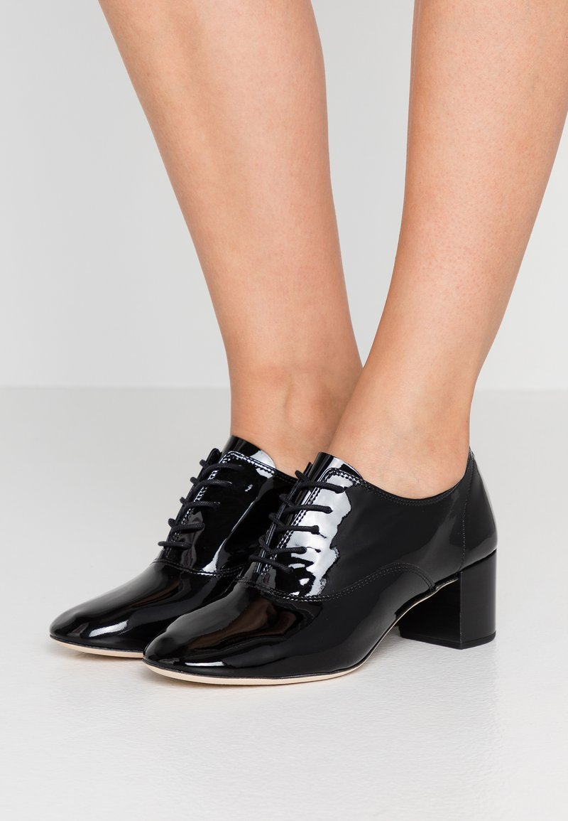 Repetto - FADO - Lace-up heels - noir