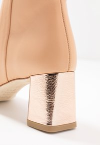 Repetto - MELO - Classic ankle boots - biscuit/rose - 2