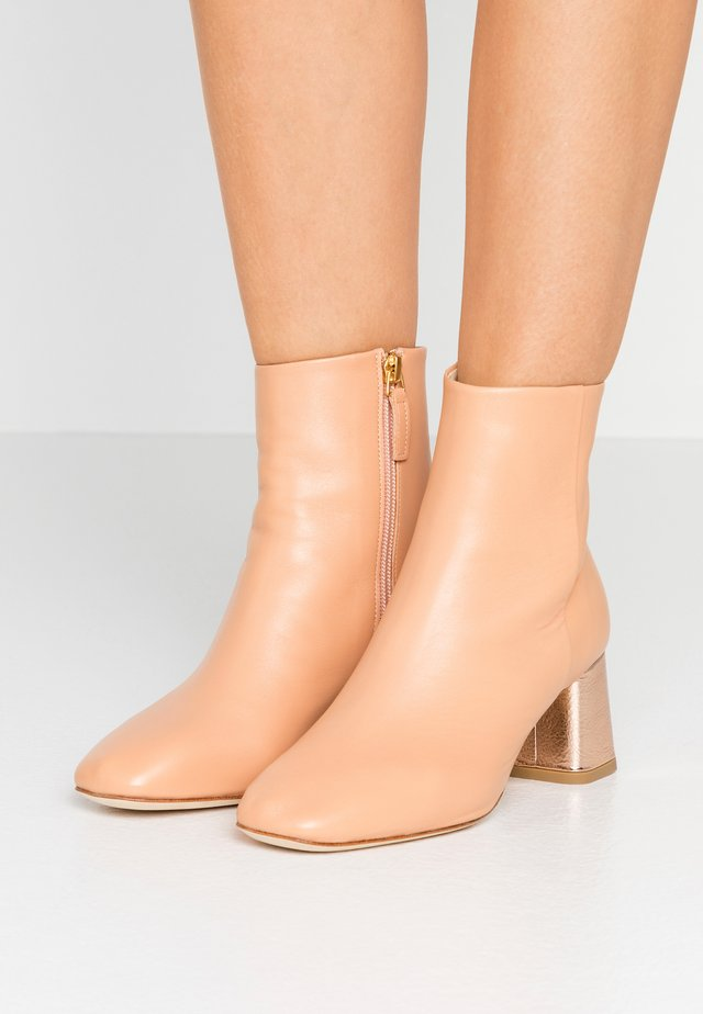 MELO - Classic ankle boots - biscuit/rose