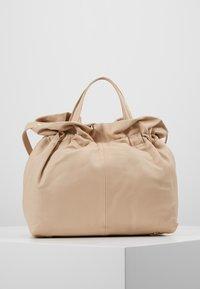 Repetto - STUDIO - Käsilaukku - beige - 2