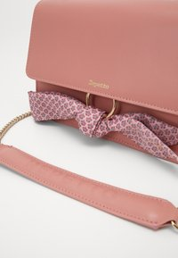 Repetto - TRIPLE JEU - Across body bag - dragee pink - 5
