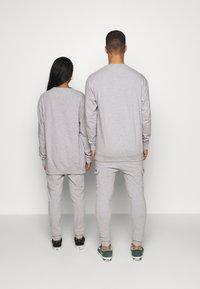 RETHINK Status - CREW NECK  - Sweatshirt - grey - 2