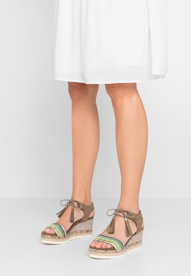 Refresh - Platform sandals - kaki