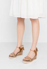 Refresh - Platform sandals - camel - 0
