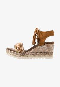 Refresh - Platform sandals - camel - 1