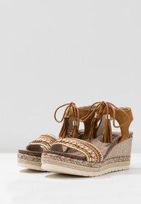 Refresh - Platform sandals - camel - 4