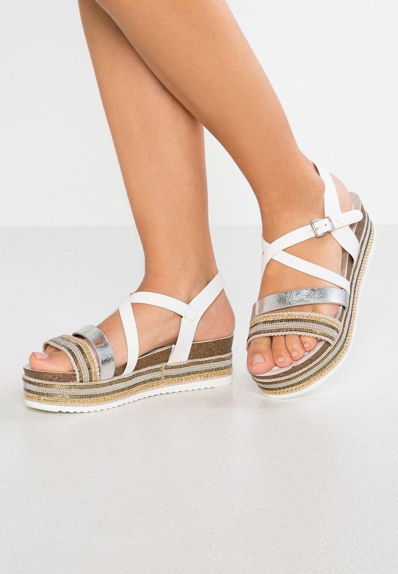 Refresh - Sandály na platformě - blanco