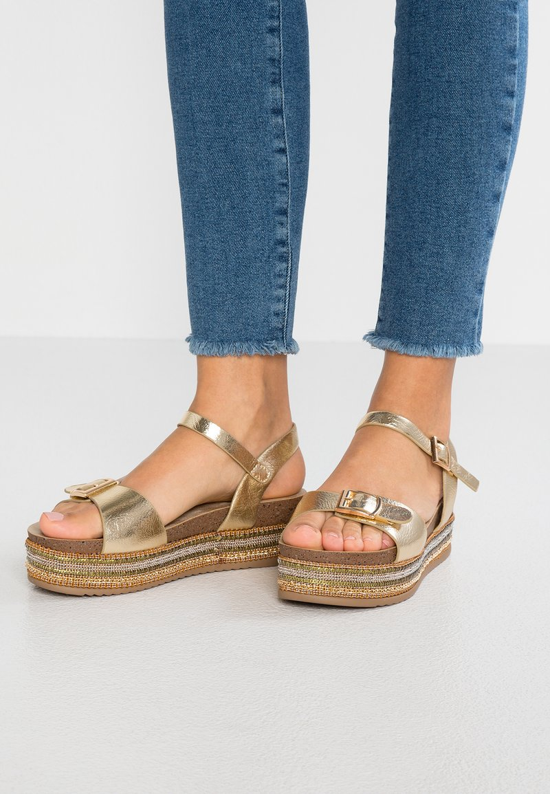 Refresh - Plateausandalette - oro