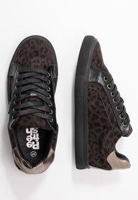 Refresh - Sneakers laag - black - 3
