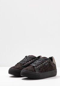 Refresh - Sneakers laag - black - 4