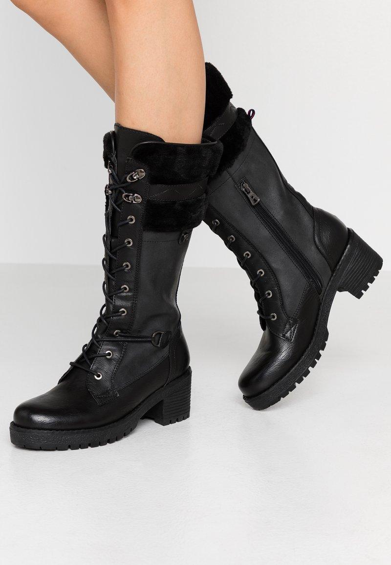 Refresh - Šněrovací vysoké boty - black