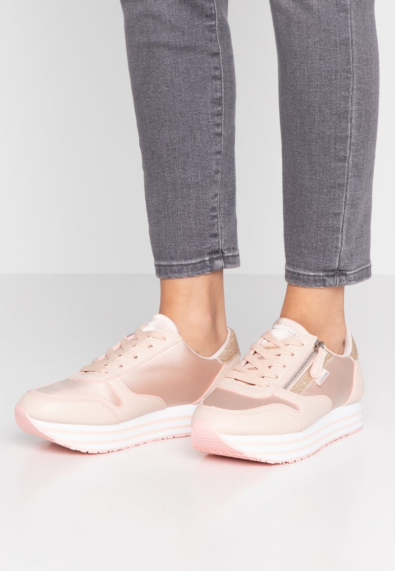 Refresh - Trainers - nude
