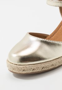 Refresh - Espadrilky - gold - 2