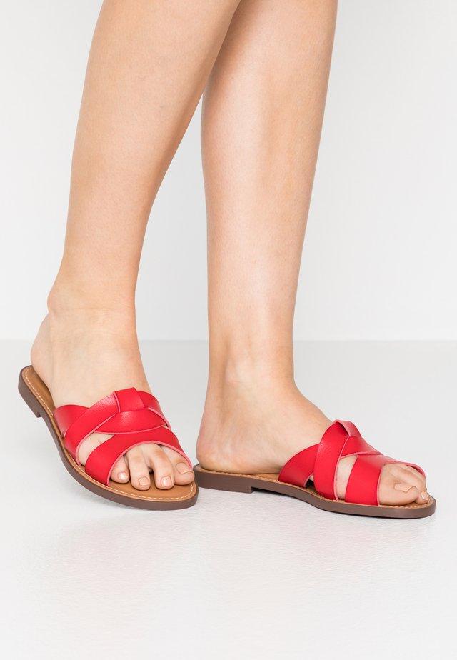 Pantolette flach - red