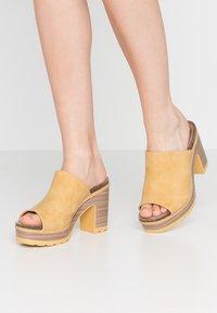 Refresh - Heeled mules - yellow - 0