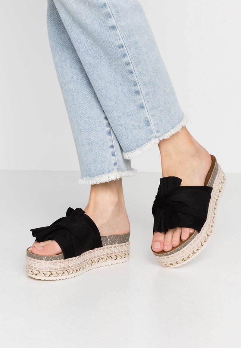 Refresh - Pantofle na podpatku - black