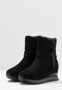 Refresh - Kotníkové boty na platformě - black - 4