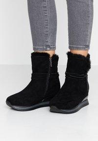 Refresh - Kotníkové boty na platformě - black - 0